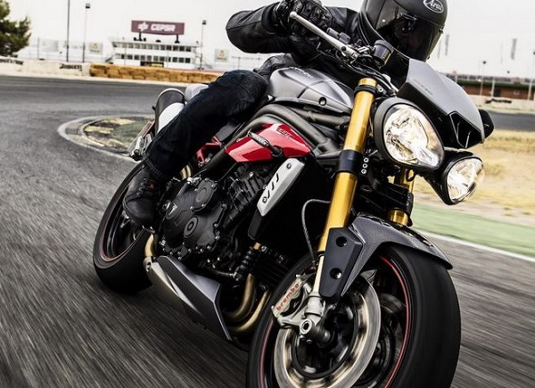 Rakish good looks and performance that frightens the horses ensures a strong future for the Triumph Speed Triple.